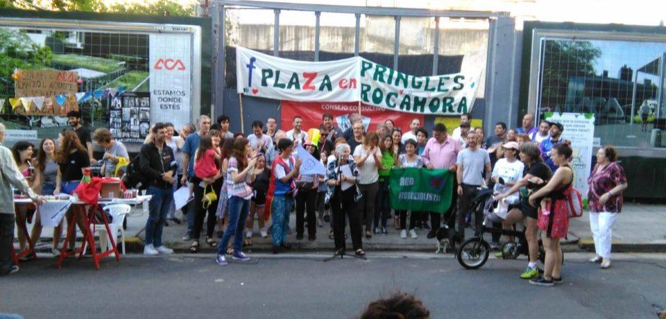 ¿Chau plaza? construyen oficinas en Rocamora y Pringles