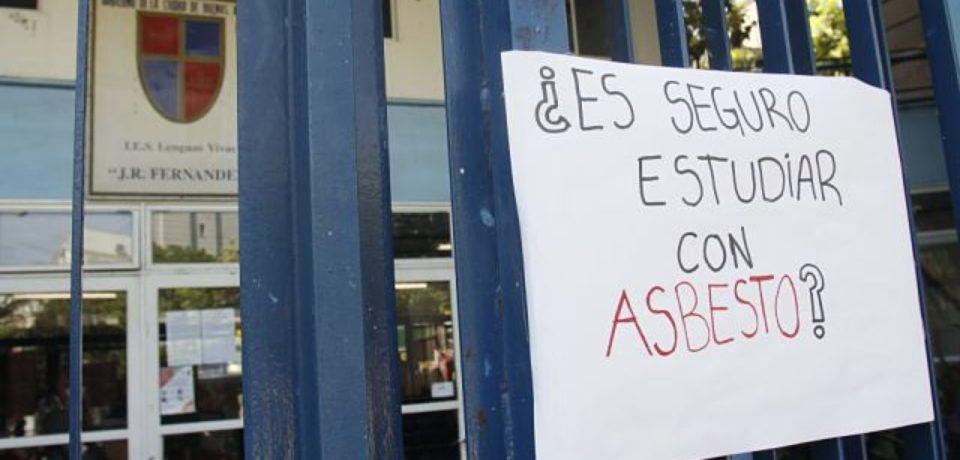 ¿Qué sucede con el asbesto en las escuelas?