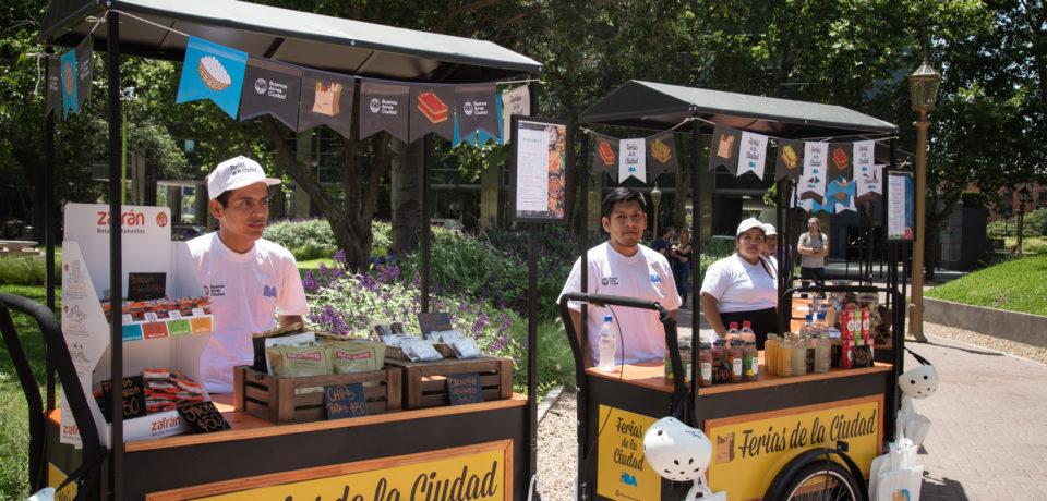Feriantes de los barrios 31 y Rodrigo Bueno hacen la «Feria en Bici»
